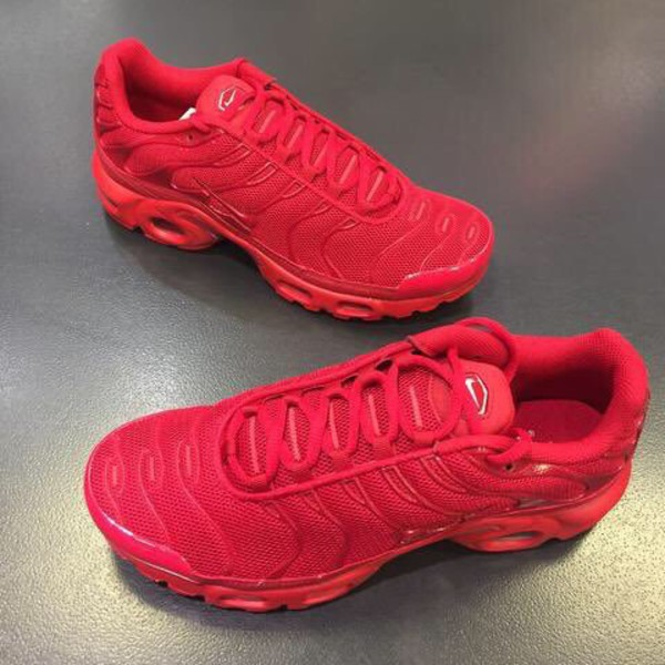 finest selection 6cc7c 12625 nike tn red
