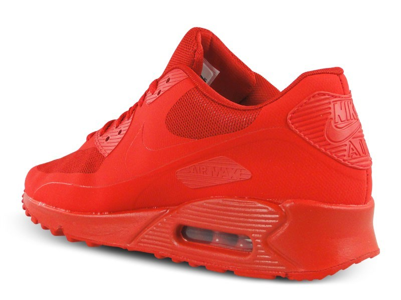 red nike trainers